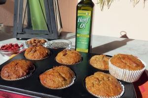 Vegane Mandelmuffins mit Chiasamen und Gojibeeren